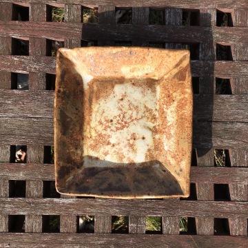 Square plate (brushed spodumene) *n/a