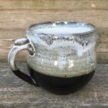 Rounded mug (Shaner white over Mason satin black) *n/a